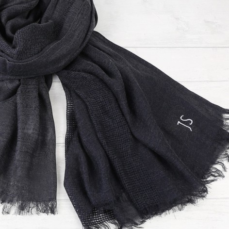 mens-personalised-soft-woven-navy-scarf-o21a5091-472x472