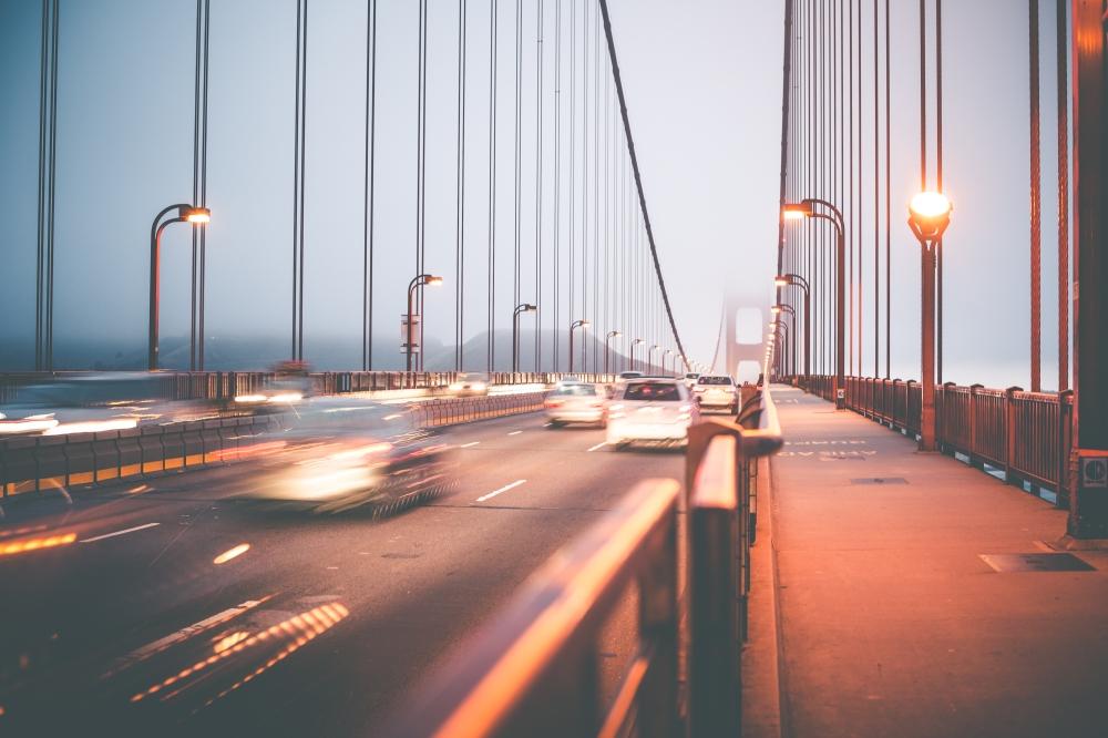 evening-traffic-on-the-golden-gate-bridge-picjumbo-com