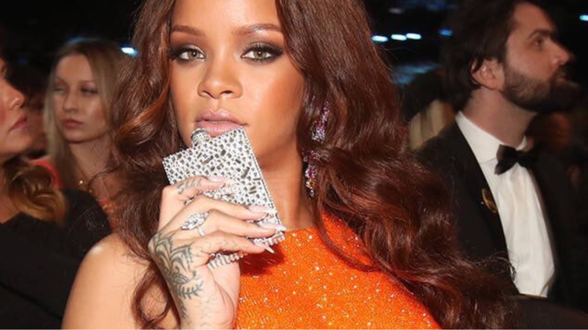Be like Rihanna:  5 Bedazzled Flask You Can Purchase TODAY