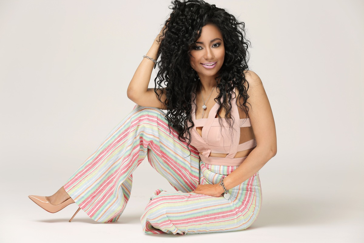 SOUTHERN LACED TAKES FIVE WITH 97.7 MIDDAY PERSONALITY TAMBRA CHERIE